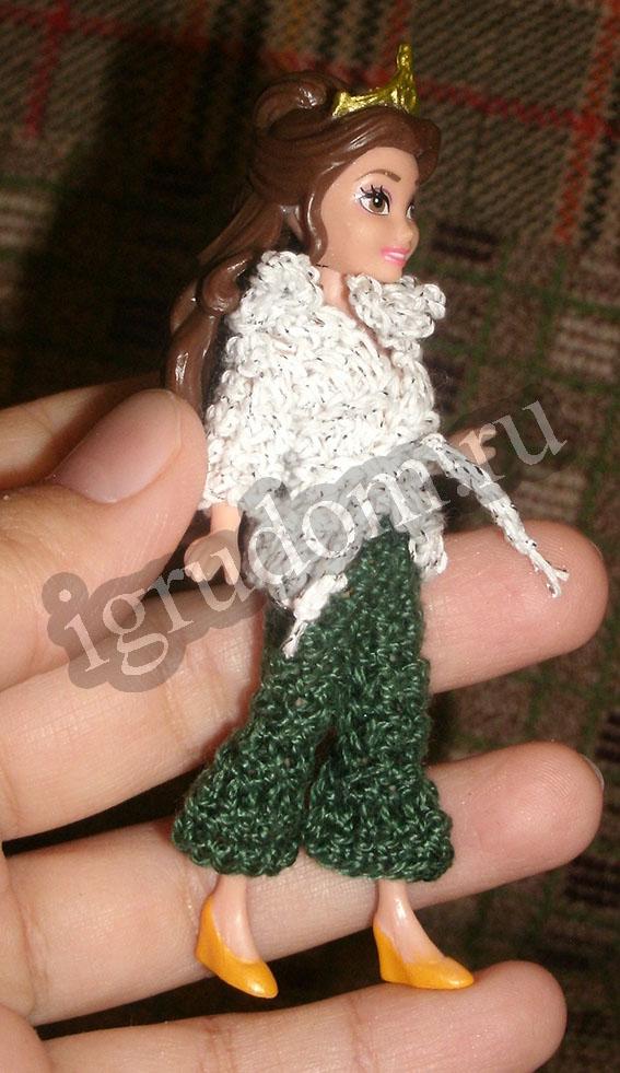 Миниатюрные куклы в вязаной одежде