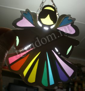Ангел из картона и цветной кальки