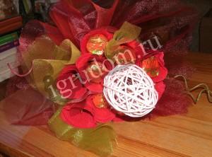 Самодельный букет из ткани и конфет
