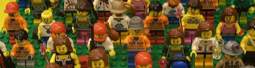 Lego шаттл с «Праздника детства» и наши человечки.