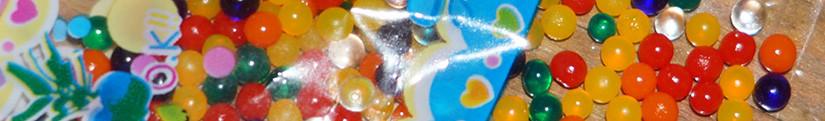 Растущие в воде шарики orbeez.